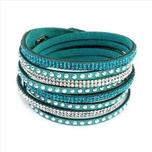 NWT * TEAL Glittering Swarovski Bracelet!